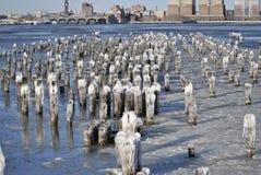 Bevroren hudson rivier, de stad van New York Royalty-vrije Stock Foto