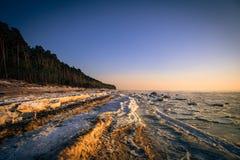 Bevroren kust van de Oostzee Stock Fotografie