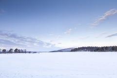 Bevroren Meer in Inari, Finland Stock Afbeeldingen