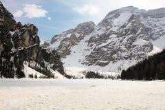 Bevroren meer van de Dolomietalpen Royalty-vrije Stock Afbeeldingen