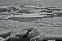 Bevroren meer van Engolasters in Andorra royalty-vrije stock afbeeldingen