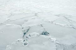 Bevroren meeroppervlakte stock afbeeldingen