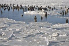 Bevroren riverscape Royalty-vrije Stock Afbeeldingen