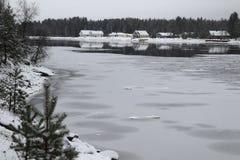 Bevroren rivier Royalty-vrije Stock Afbeeldingen
