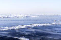 Bevroren vroege de winterochtend van Baikal Stock Foto