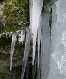 Bevroren waterval, ijskegels Stock Foto