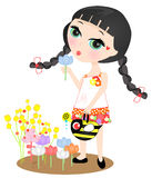 Bewässerungsblumengarten des Mädchens Stockbilder