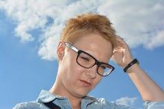 Bewölken Sie blondes Haar des Wolkenglasgesichtes perfektes dayday Lizenzfreie Stockfotos