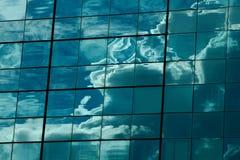 Bewölken Sie Reflexion Lizenzfreie Stockfotografie