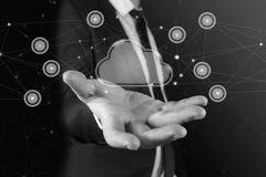 Bewölken Sie Vernetzung, Internet und modernes Technologiekonzept auf virtuellem Schirm Weißes und schwarzes Foto Lizenzfreie Stockfotografie