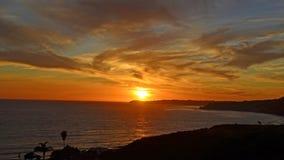 Bewölken Sie wirbelnden Sonnenuntergang über Punkt Dume, Malibu, CA Lizenzfreie Stockfotografie