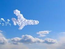 Bewölkt Flugzeug im Himmel Lizenzfreie Stockfotos