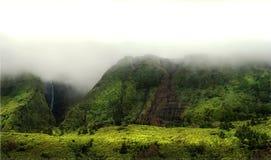 Bewölkte Berge von flores, acores Inseln Lizenzfreie Stockfotografie