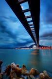 Bewölkte Brücke Stockfotografie