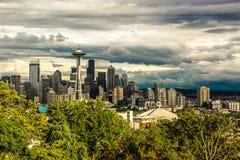 Bewölkte Seattle-Raum-Nadel Lizenzfreie Stockfotografie