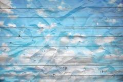 Bewölkter blauer Himmel Stockfotos
