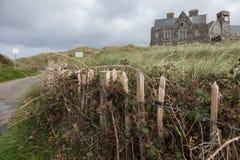 Bewölkter Herbsttag in der irischen Landschaft lizenzfreie stockfotografie