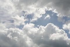 Bewölkter Himmel Stockfotos