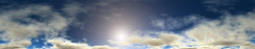 Bewölkter Himmel. Stockbild