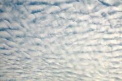 Bewölkter Himmel-Hintergrund Lizenzfreie Stockfotografie