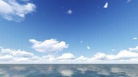 Bewölkter Himmel und Meer Seesommerschuß Lizenzfreies Stockfoto