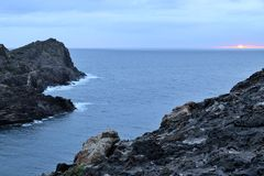 Bewölkter Sonnenaufgang in Cap de Creus Lizenzfreies Stockbild