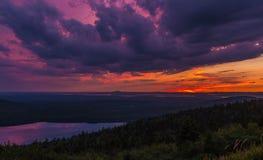 Bewölkter Sonnenuntergang am Nationalpark des Acadia Stockfotografie