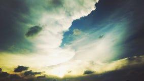 bewölkter Sonnenuntergang in West-Java Lizenzfreies Stockfoto