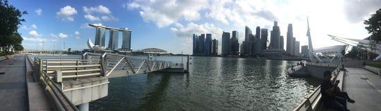Bewölkter Tag der Jachthafenbucht Singapur stockfotos