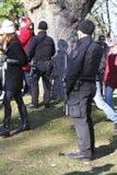 Bewaffneter Polizeibeamte an der Erinnerungs-Tageszeremonie Lizenzfreies Stockfoto