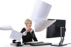 Beware dos papéis de jogo da mulher de negócios Imagem de Stock