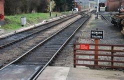 Beware van treinen royalty-vrije stock afbeelding