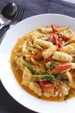 Beweeg gebraden pijlinktvis met gezouten eierdooier Stock Fotografie