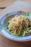 Beweeg gebraden rijstnoedels vegetarische Yangshuo Stock Fotografie