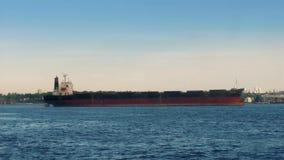 Bewegend Afgelopen Groot Vrachtschipschip stock videobeelden