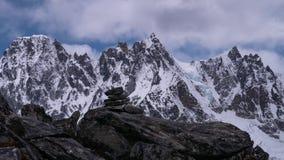 Bewegend panorama van Himalayan-Bergen stock videobeelden