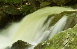 Bewegend water Royalty-vrije Stock Afbeeldingen