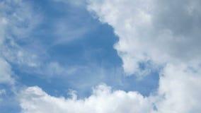 Bewegend wolkenlandschap stock footage
