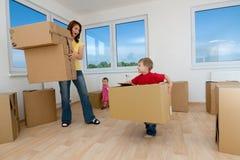 Bewegende dozen en nieuw huis royalty-vrije stock afbeeldingen