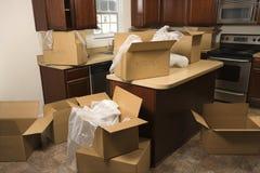 Bewegende dozen in keuken. Royalty-vrije Stock Foto