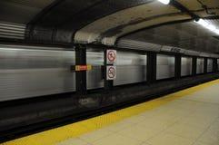 Bewegende metro Stock Foto's