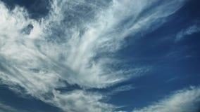 Bewegende wolken en de blauwe tijdspanne van de hemeltijd Royalty-vrije Stock Afbeeldingen