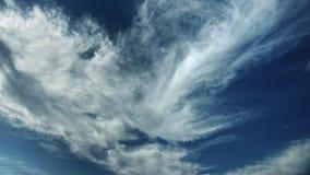 Bewegende wolken en de blauwe tijdspanne van de hemeltijd Royalty-vrije Stock Foto