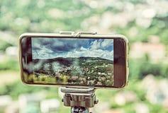 Bewegliche Fotografie des intelligenten Telefons der alten Bergbaustadt Banska Stiavni Stockfotografie