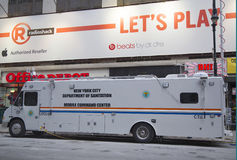 Bewegliche Kommandozentrale der New- York Cityhygiene-Abteilung während der Woche des Super Bowl XLVIII nahe Times Square Stockbilder