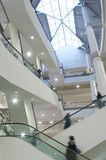 Bewegliche Masse auf Rolltreppe Stockfoto