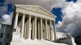 Bewegliche Wolken des Obersten Gerichts der USA