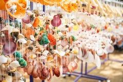 Bewegliches Meer schält das Hängen im Shop für Verkauf lizenzfreies stockfoto