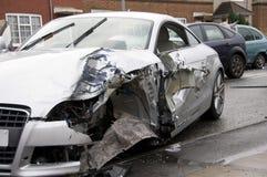 BewegungsAutounfallszene Großbritannien lizenzfreie stockbilder