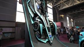 Bewegungscar show Ausstellung Mondial Paris mit E-Formel 1 stock footage
